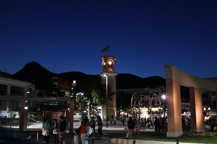 Πλατεία Μαιμού
