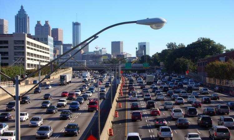 Ο θόρυβος από την κυκλοφορία των αυτοκινήτων «κόβει» χρόνια ζωής