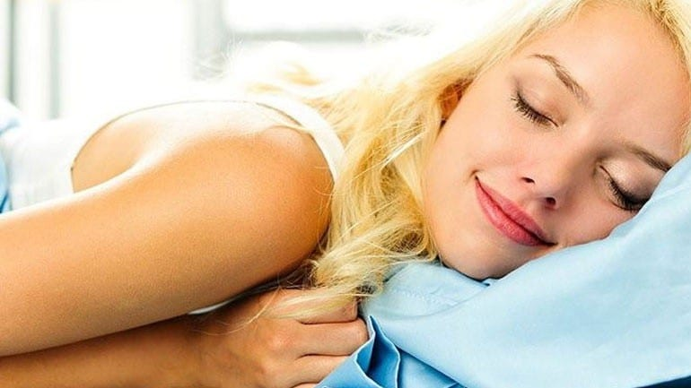 Δροσερά μυστικά για ύπνο χωρίς κλιματιστικό