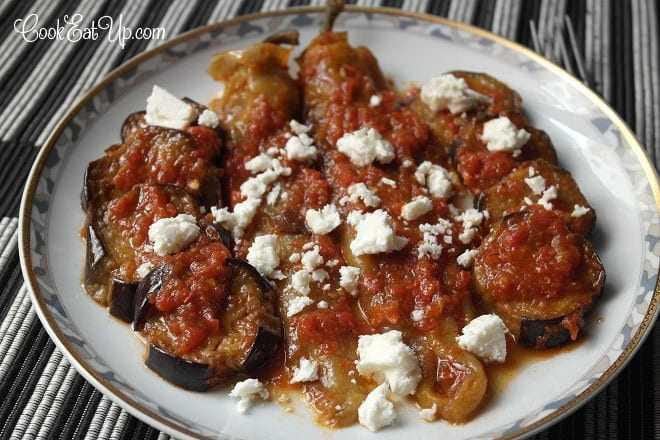 Τηγανητές πιπεριές και μελιτζάνες με σάλτσα, 2 συνταγές σε 1