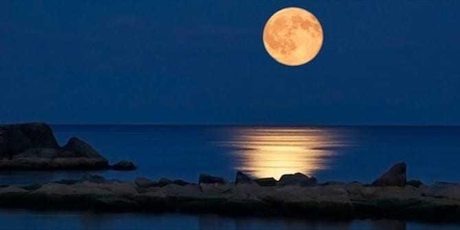 Αυγουστιάτικη ΠΑΝΣΕΛΗΝΟΣ 2015: Πώς θα επηρεάσει το ζώδιο σας το μεγαλύτερο φεγγάρι της χρονιάς