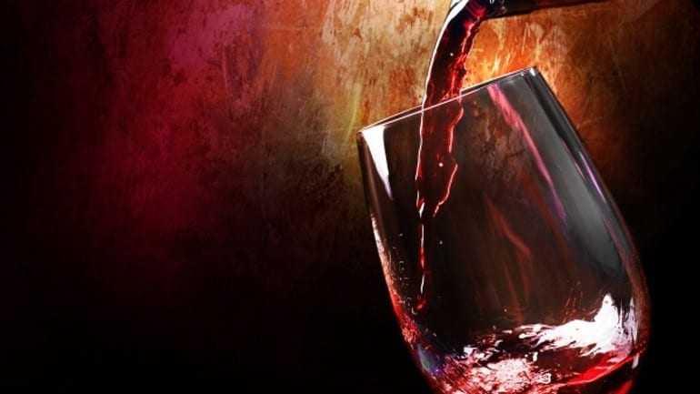 Το κόκκινο κρασί και η μαύρη σοκολάτα μπορούν να «φρενάρουν» το Αλτσχάιμερ