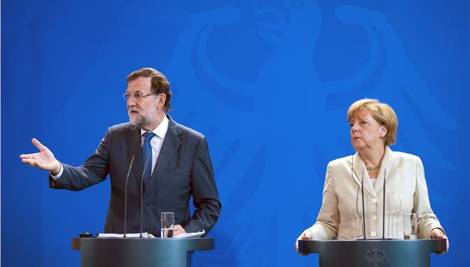 Κοινή θέση για τις μεταρρυθμίσεις και την αλληλεγγύη προς την Ελλάδα, εξέφρασαν Μέρκελ και Ραχόι