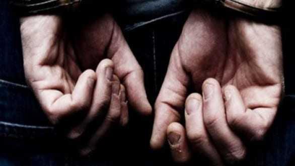 Σύλληψη διακινητή ο οποίος προωθούσε στο εσωτερικό της χώρας 17 μη νόμιμους μετανάστες