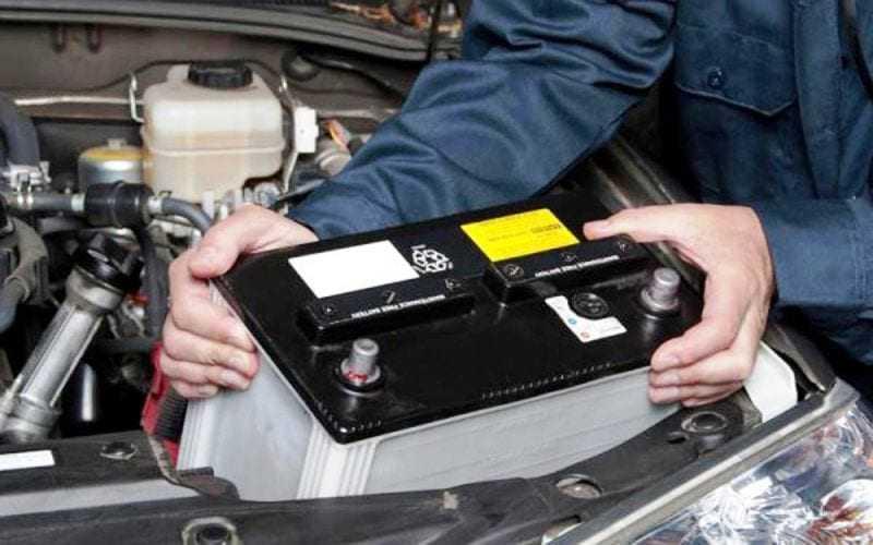 ΠΡΟΣΟΧΗ: Έβαλαν σημάδι τις μπαταρίες των αυτοκινήτων