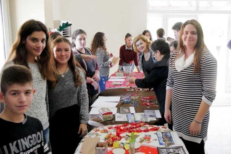 Μαθητικό γιορτινό Χριστουγεννιάτικο bazaar από τους μαθητές του Γυμνασίου Ερασμίου