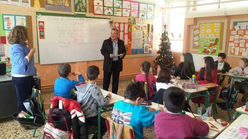 Επίσκεψη δημάρχου στα σχολεία