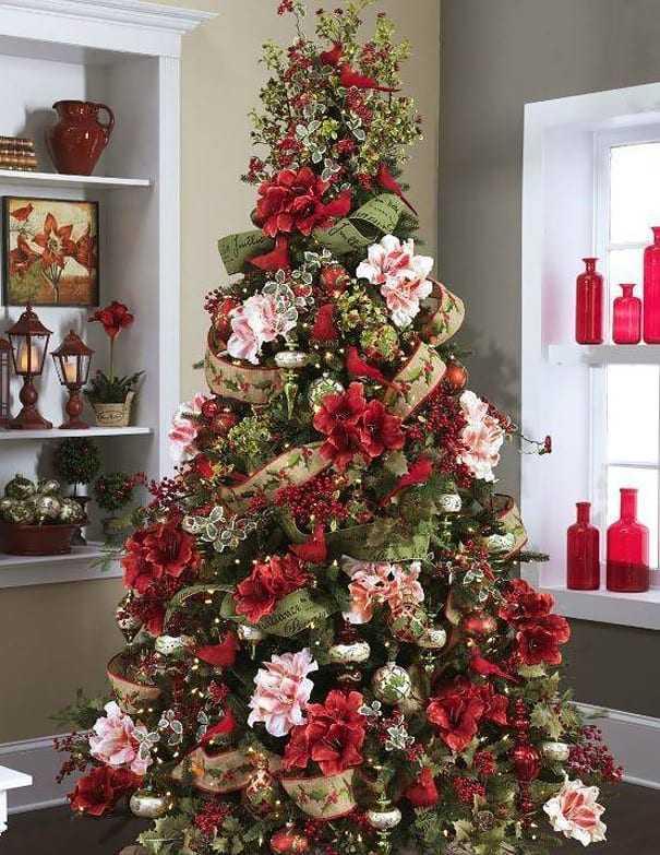 Χριστουγεννιάτικα δέντρα γεμάτα λουλούδια!
