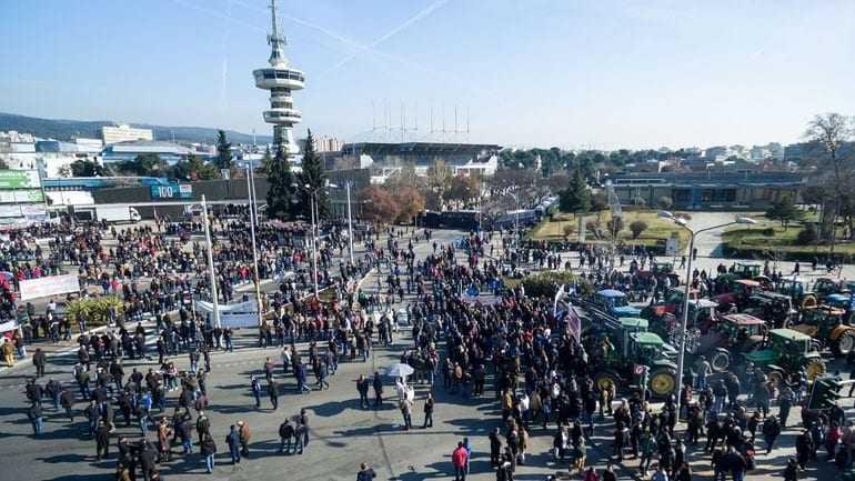 Χημικά και επεισόδια στη Θεσσαλονίκη-Πληροφορίες μιλούν για αναβολή των εγκαινίων της Agrotica