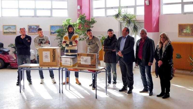 Παίχτες της Skoda Xanthis δώρισαν υπολογιστή στο Γυμνάσιο Ερασμίου