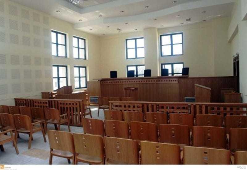 Πανελλαδική αποχή διαρκείας προτείνουν οι δικηγόροι για το Ασφαλιστικό