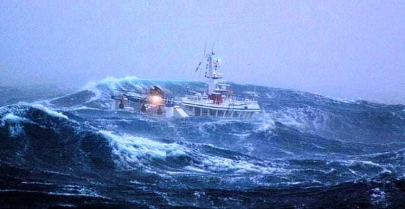 ΕΚΤΑΚΤΗ ΕΝΗΜΕΡΩΣΗ. Έντονα καιρικά φαινόμενα στην θάλασσα του Πόρτο Λάγος
