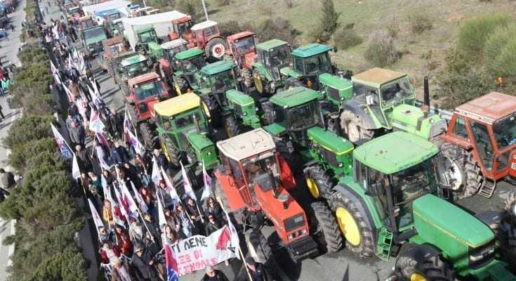 Νέα μπλόκα στήνουν οι αγρότες
