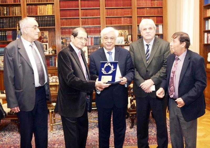 Επίτιμο μέλος του Πανελλήνιου Συνδέσμου Νεφροπαθών ο Πρόεδρος της Δημοκρατίας κ. Προκόπης Παυλόπουλος
