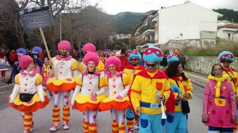 ΦΩΤΟΡΕΠΟΡΤΑΖ+ΒΙΝΤΕΟ 3 : Καρναβαλική παρέλαση Ξάνθης