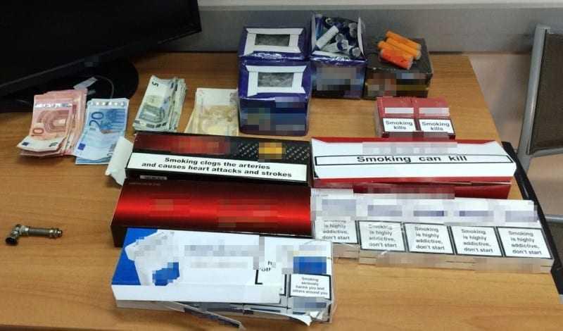 ΚΟΜΟΤΗΝΗ: Λαθραία τσιγάρα, κροτίδες και ναρκωτικά συνθέτουν το πάζλ του κατηγορητηρίου