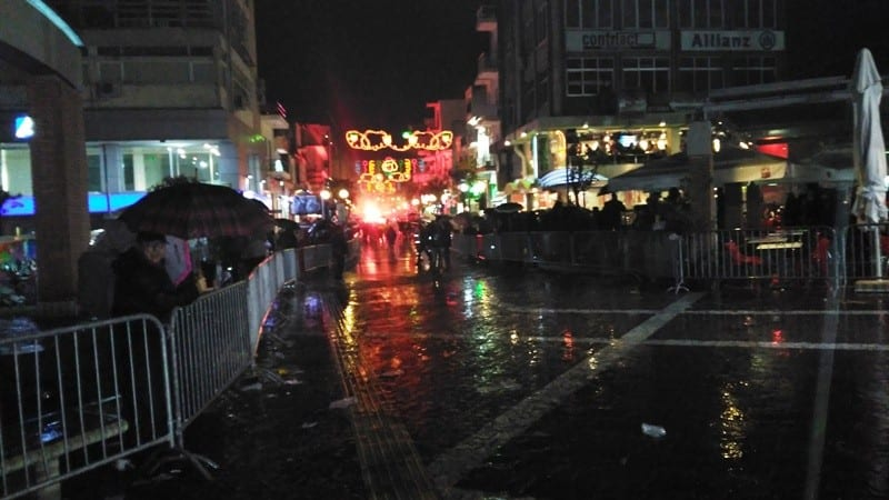 ΦΩΤΟΡΕΠΟΡΤΑΖ: Πετυχημένη η νυχτερινή καρναβαλική παρέλαση