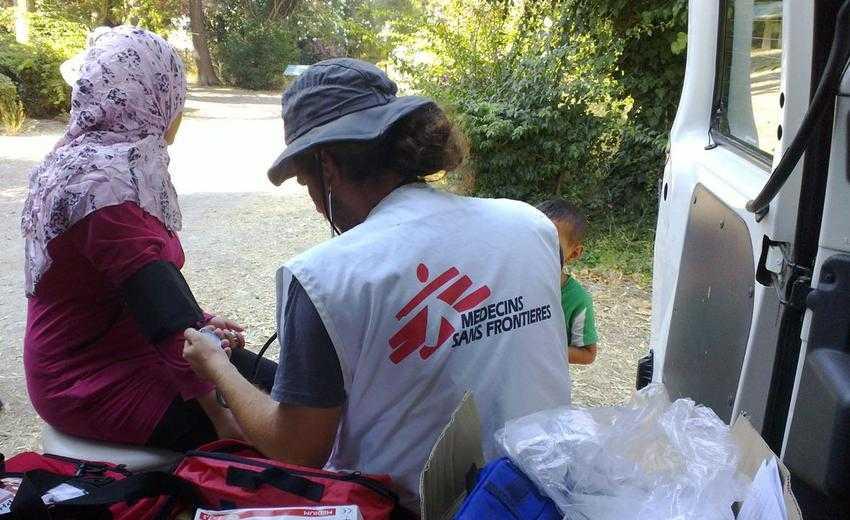 Σταματούν τις δραστηριότητες που συνδέονται με τα hotspots στα νησιά οι «Γιατροί Χωρίς Σύνορα»