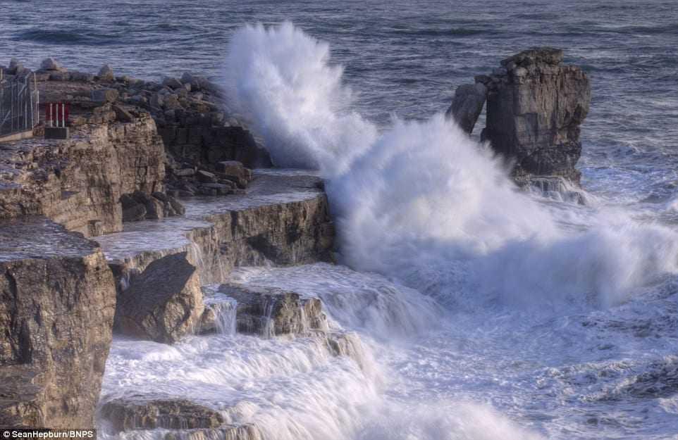 """Μην πάτε για """"βαρκάδα"""" σήμερα: Θυελλώδης άνεμοι στην θάλασσα"""