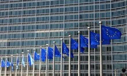 Στις Βρυξέλλες συζητούν οι θεσμοί, ελπίδα για συμφωνία έως την Κυριακή