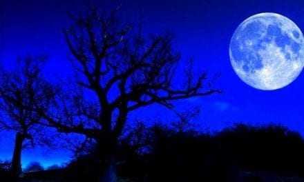 «Μπλε Σελήνη», σπάνιο αστρονομικό φαινόμενο στον νυχτερινό ουρανό