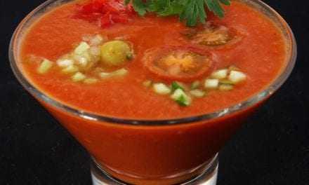 Γκασπάτσο (κρύα σούπα με ντομάτα και αγγούρι)