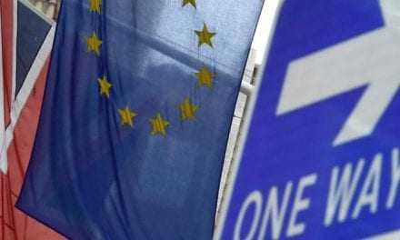 Κερδίζει «έδαφος» η ψήφος για έξοδο της Βρετανίας από την ΕΕ – Νέο «καμπανάκι» του ΔΝΤ για το Brexit