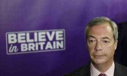 Ο Νάιτζελ Φάρατζ ανακοίνωσε πως παραιτείται από την ηγεσία του UKIP