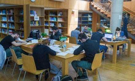 Επιπλέον 216 εκατ. ευρώ για την πρόσληψη αναπληρωτών εκπαιδευτικών, μέσω του ΕΣΠΑ, εξασφάλισε το υπουργείο Παιδείας