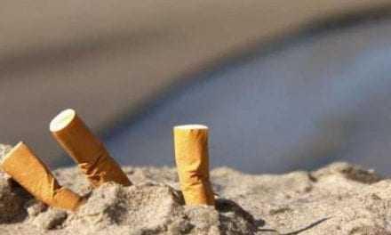 Πέντε τρισεκατομμύρια γόπες τσιγάρων πετιούνται οπουδήποτε αλλού εκτός από τα τασάκια