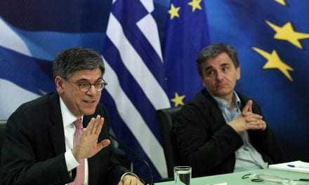 Τσακαλώτος-Λιου: Πρέπει να καταστεί βιώσιμο το ελληνικό χρέος