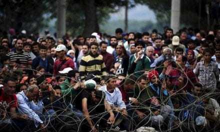 Η απάντηση του Επιτρόπου Δημήτρη Αβραμόπουλου στον Νίκο Ανδρουλάκη για τη μετεγκατάσταση των Προσφύγων