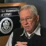 Απεβίωσε σε ηλικία 87 ετών ο επιδημιολόγος Ντόναλντ Χέντερσον που εξάλειψε την ευλογιά