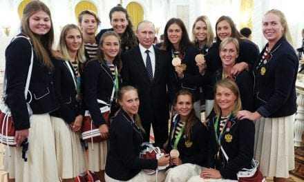 Ο Πούτιν κέρασε σαμπάνια και από μία… BMW τους Ρώσους Ολυμπιονίκες