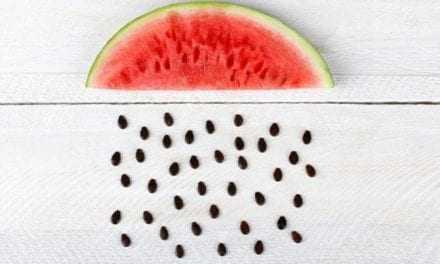 Ο πιο Έξυπνος Τρόπος να Αφαιρέσετε τα Κουκούτσια Από το Καρπούζι! (Βίντεο)