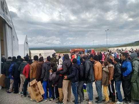 Πολιτική θύελλα για το έργο της σίτισης των προσφύγων στις Σέρρες