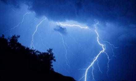 Οι «ξηρές καταιγίδες» έκαψαν την Θάσο