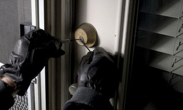 Δύο κλέφτες με συνεργούς «νοικοκύρεψαν» 6 σπίτια στην Ορεστιάδα.