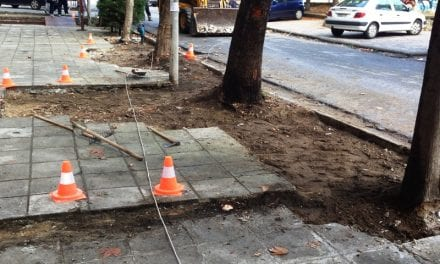 Ο Δήμος Ξάνθης «επιδιορθώνει» τα πεζοδρόμια