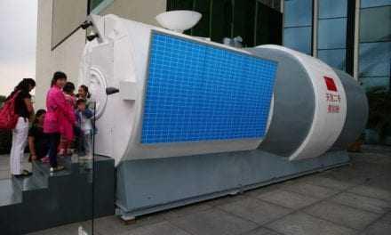 Κινέζοι αστροναύτες σε πρόβα για τη συναρμολόγηση διαστημικού σταθμού