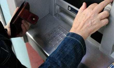 ΚΑΒΑΛΑ/Πήγαν για μετρητά  με κάρτα που έκλεψαν