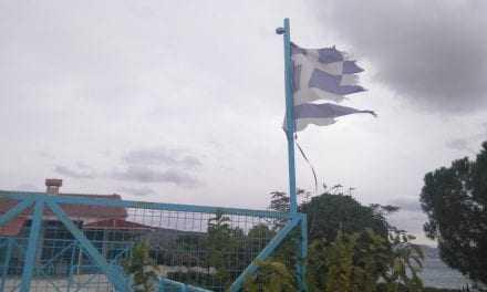 Κάποιος να προστατεύεσει την Ελληνική Σημαία στα Κιμέρια