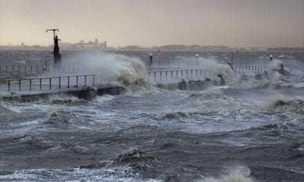 Ισχυροί άνεμοι στην θάλασσα του Πόρτο Λάγος