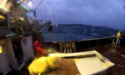 Ψαράδες σε τρικυμία; Χαλάει ο καιρός