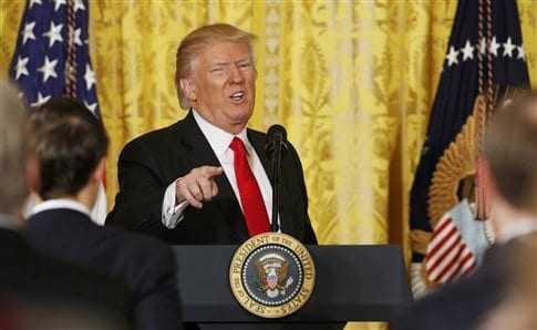 Τραμπ: «Παρέλαβα χάος», Τύπος «ανέντιμος» και νέο διάταγμα
