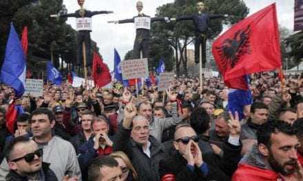 Τα Βαλκάνια φλέγονται;