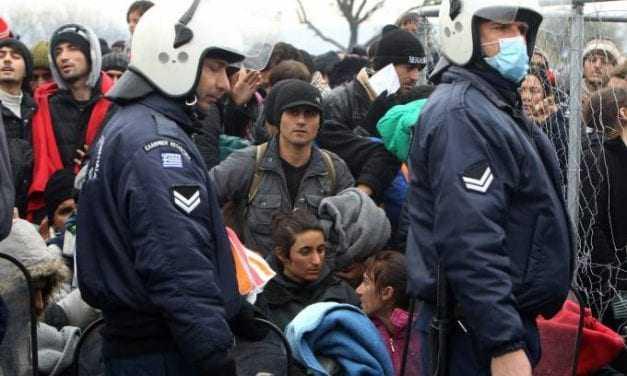 Αστυνομικός, που έκανε υπηρεσία σε hot spot της Χίου, νοσηλεύεται στην εντατική με H1N1