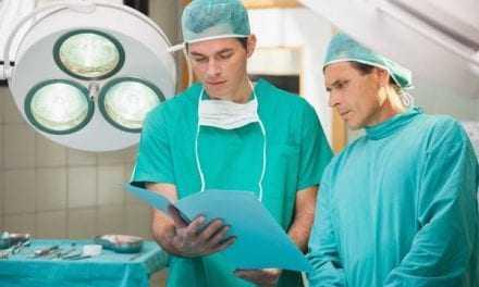 Γιατί οι χειρουργοί φοράνε πράσινες ή μπλε στολές;