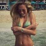 Η Vicky Varga τρελαίνει τους άνδρες