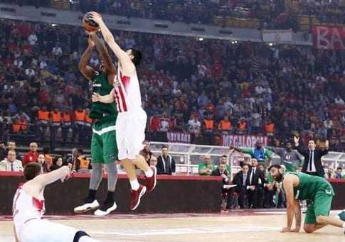 Ο Ολυμπιακός έκανε το πρώτο βήμα νικώντας τον Παναθηναϊκό